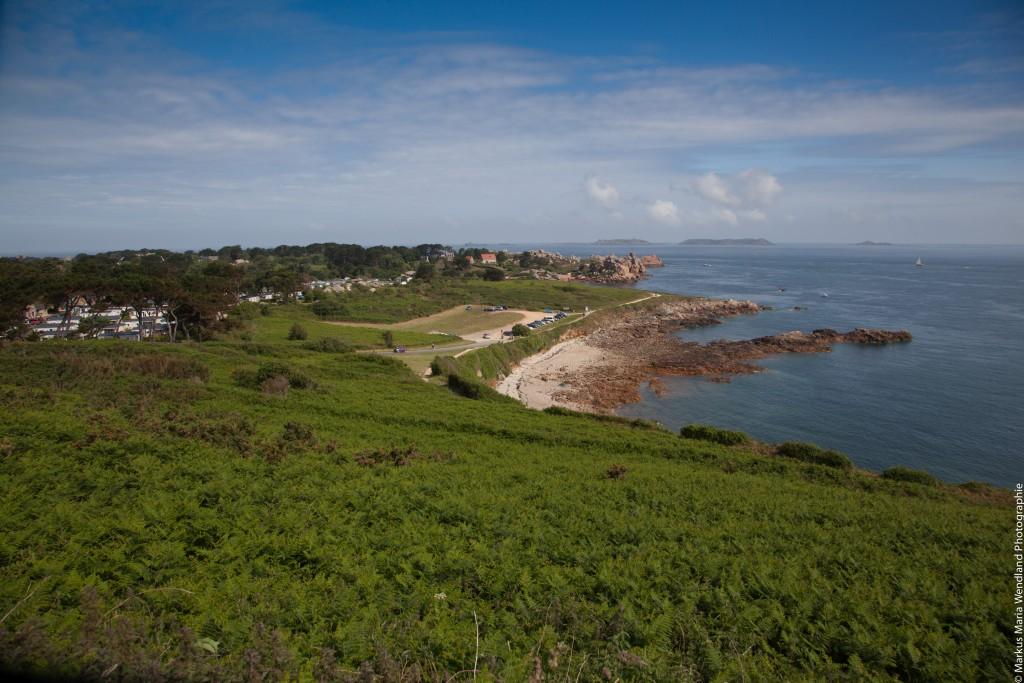 Blick auf die Rosa Granitküste